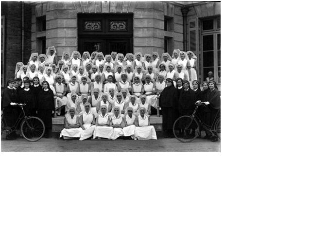 Graduation photo from the Florence Nightingale Nursing and Midwifery School (now King's College, London), cr. 1930